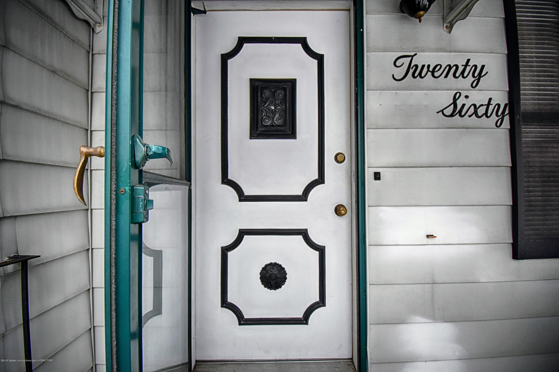 2060 Park Ln - Front Door - 3
