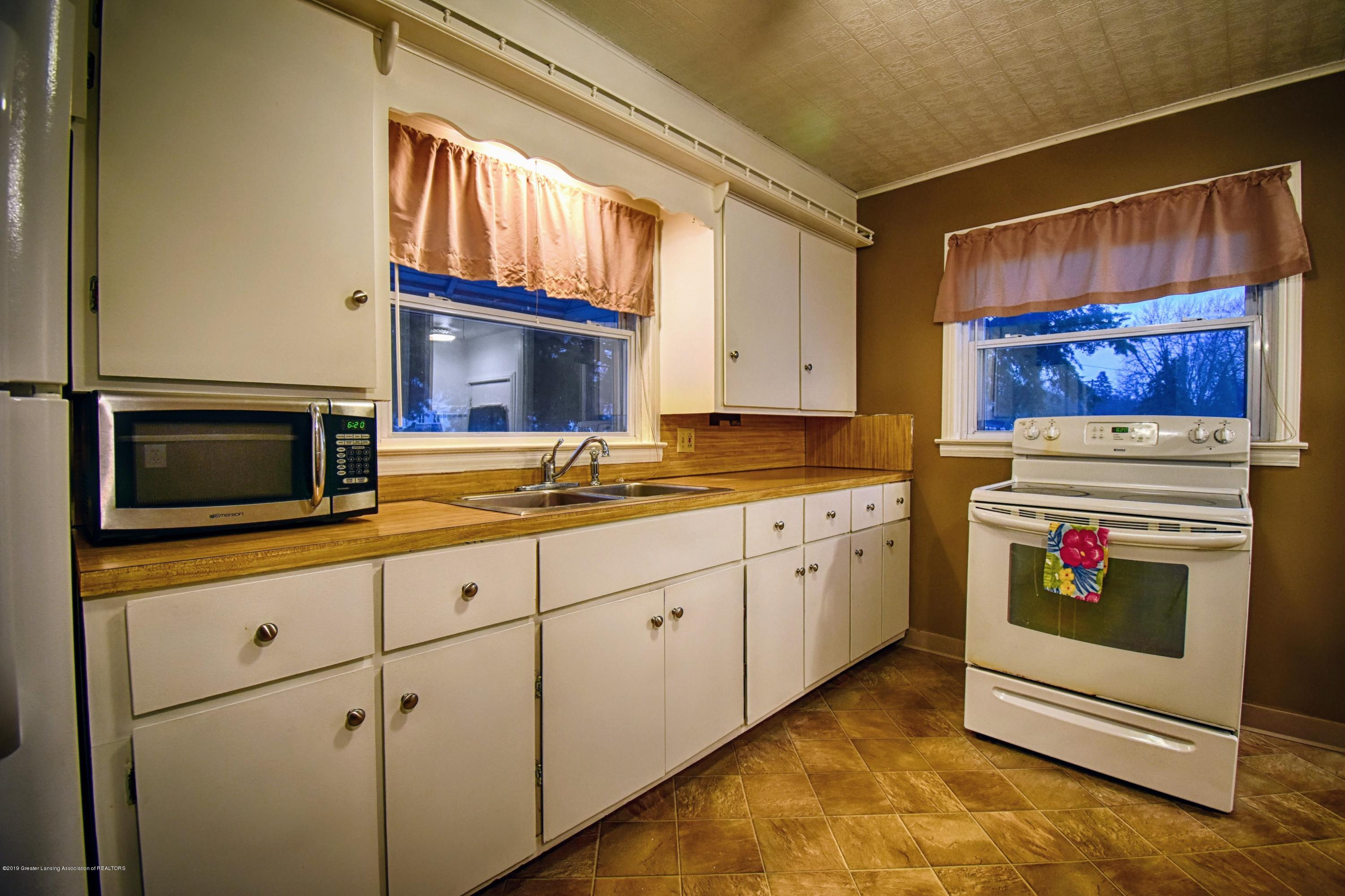 2060 Park Ln - Kitchen - 8