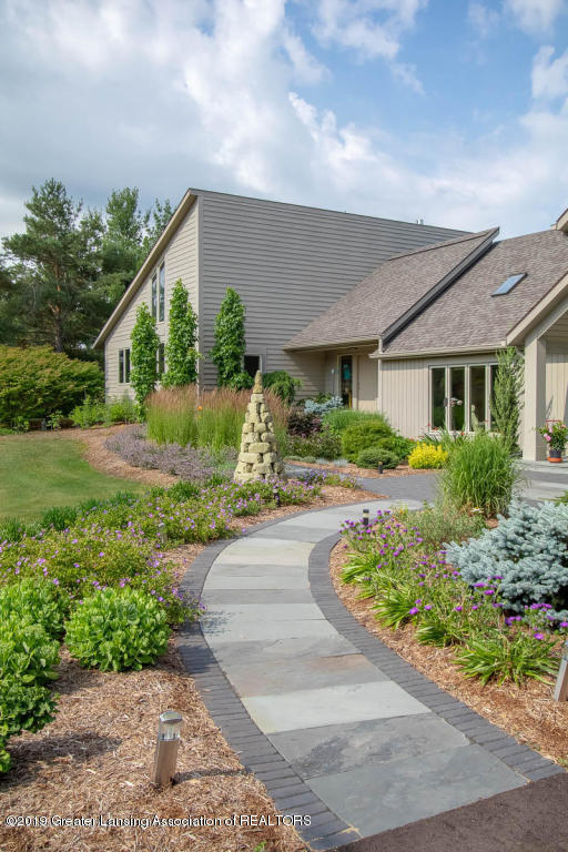 5353 Barton Rd - Path to Front - 1