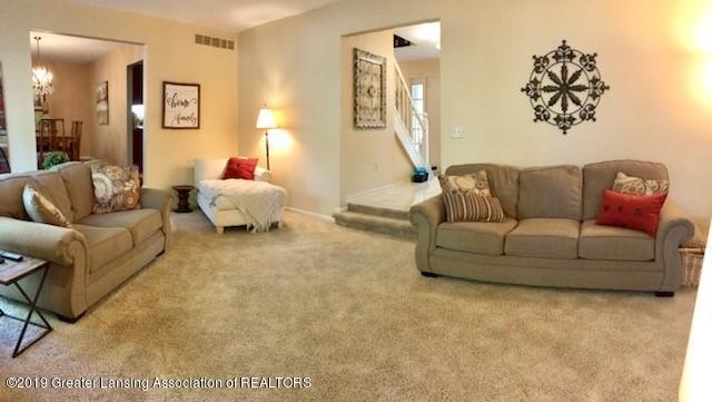 1305 Glenmeadow Ln - living room - 4