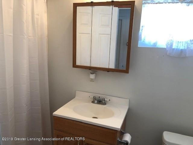 5813 Outer Dr - 5813 Outer Drive 8 - 18