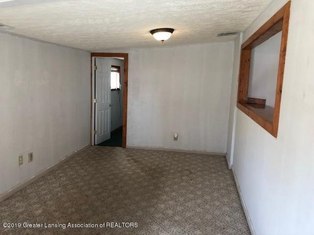 5813 Outer Dr - 5813 Outer Drive 13 - 21