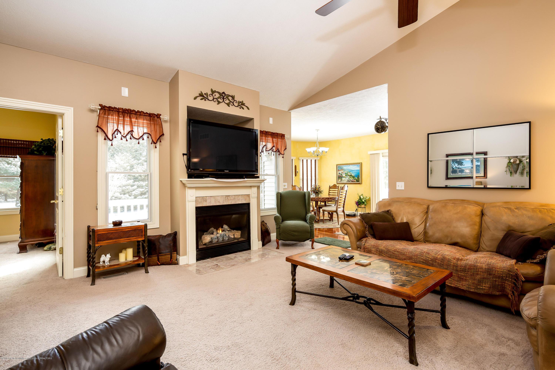 655 S Waverly Rd - Main Floor Living Room - 5