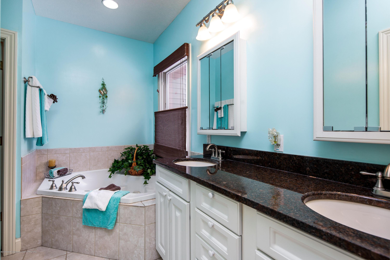 655 S Waverly Rd - En-suite Master Bath - 14