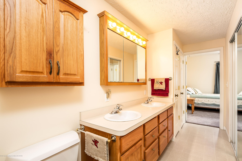 655 S Waverly Rd - Basement Bathroom - 25