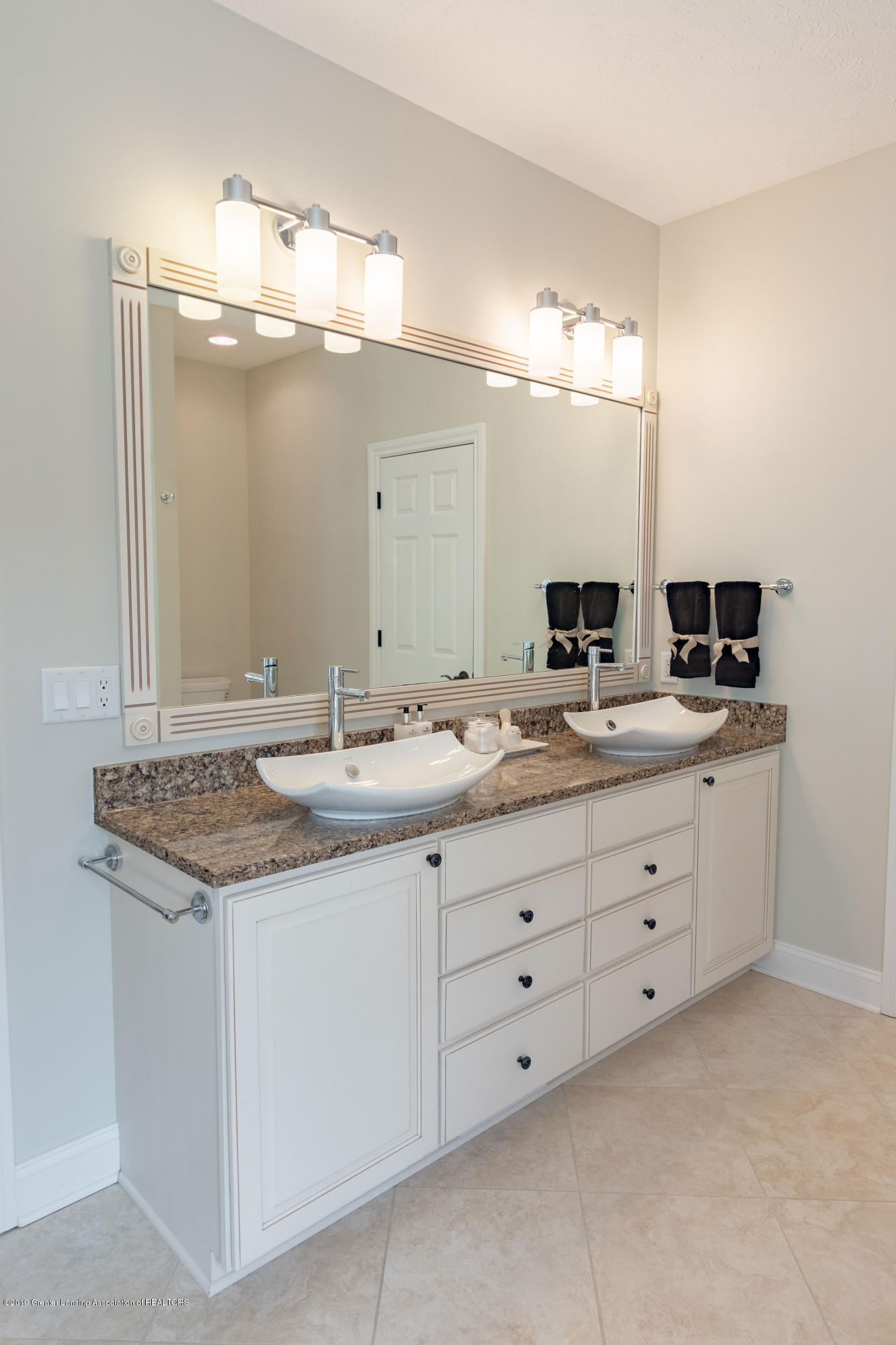 6153 Graebear Trail - Double Vessel Sinks - 29