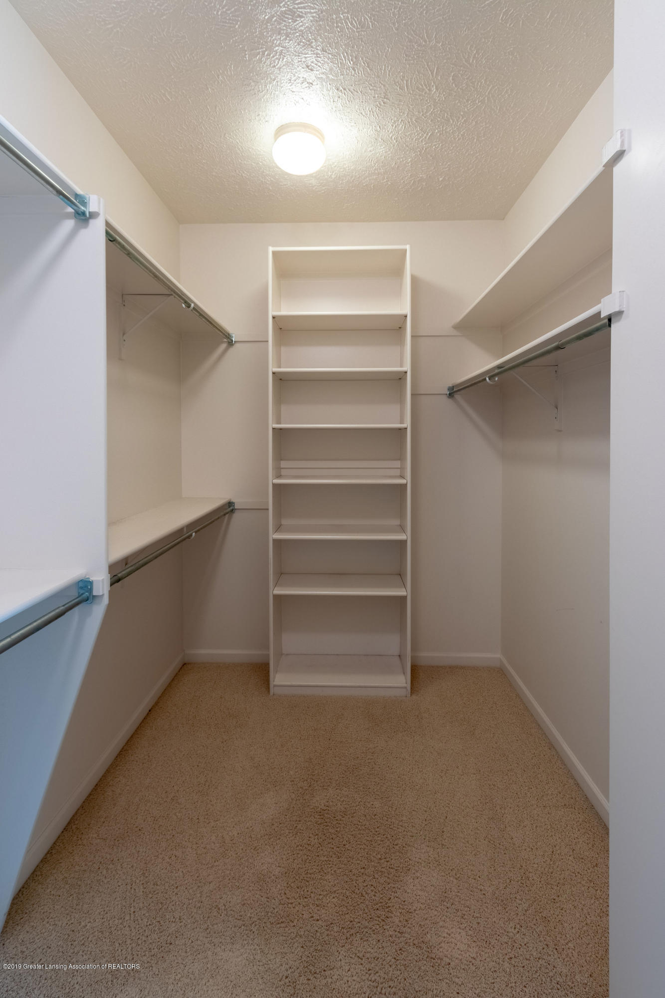 6153 Graebear Trail - Large Walk-In closet - 32