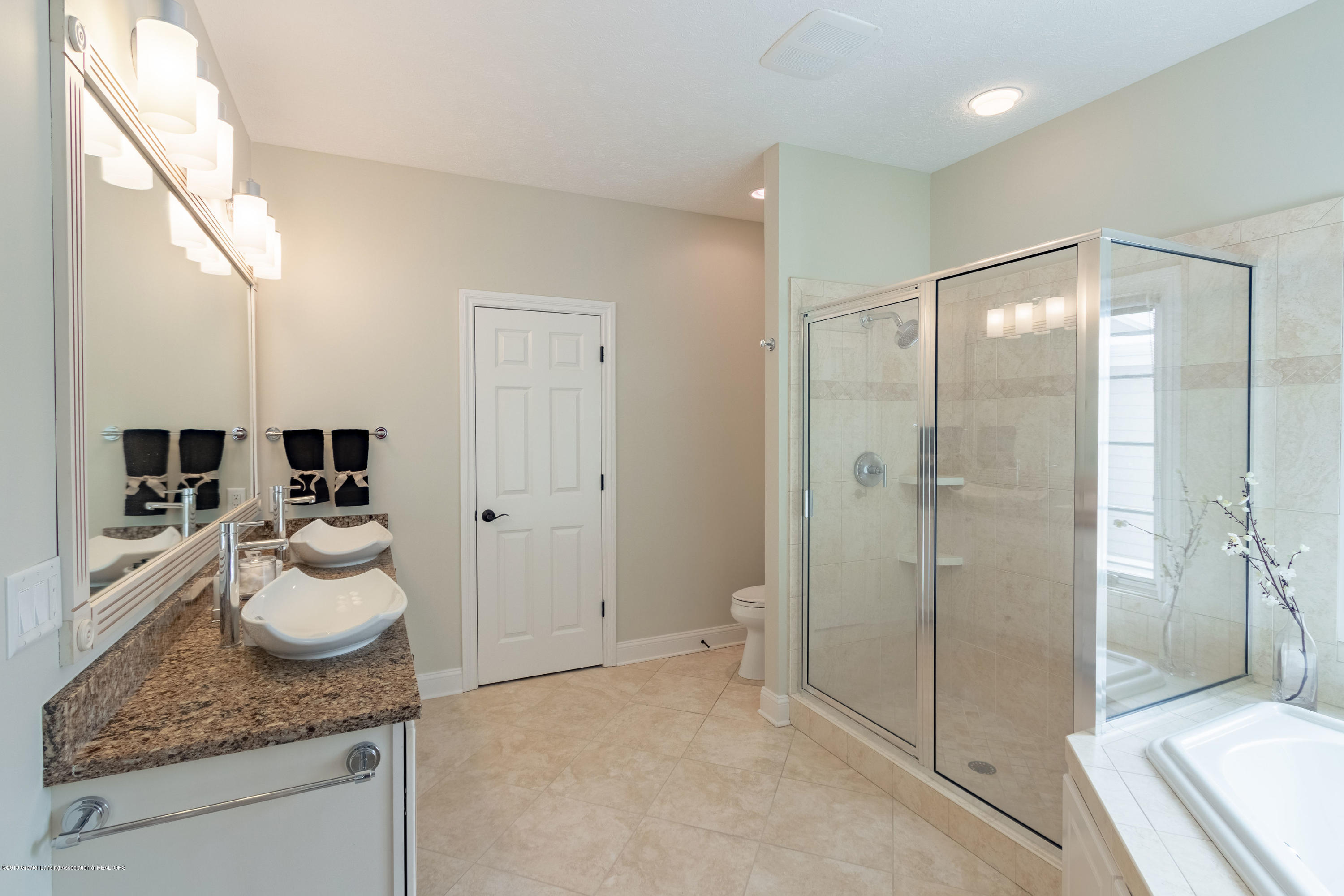6153 Graebear Trail - Master Bathroom - 28