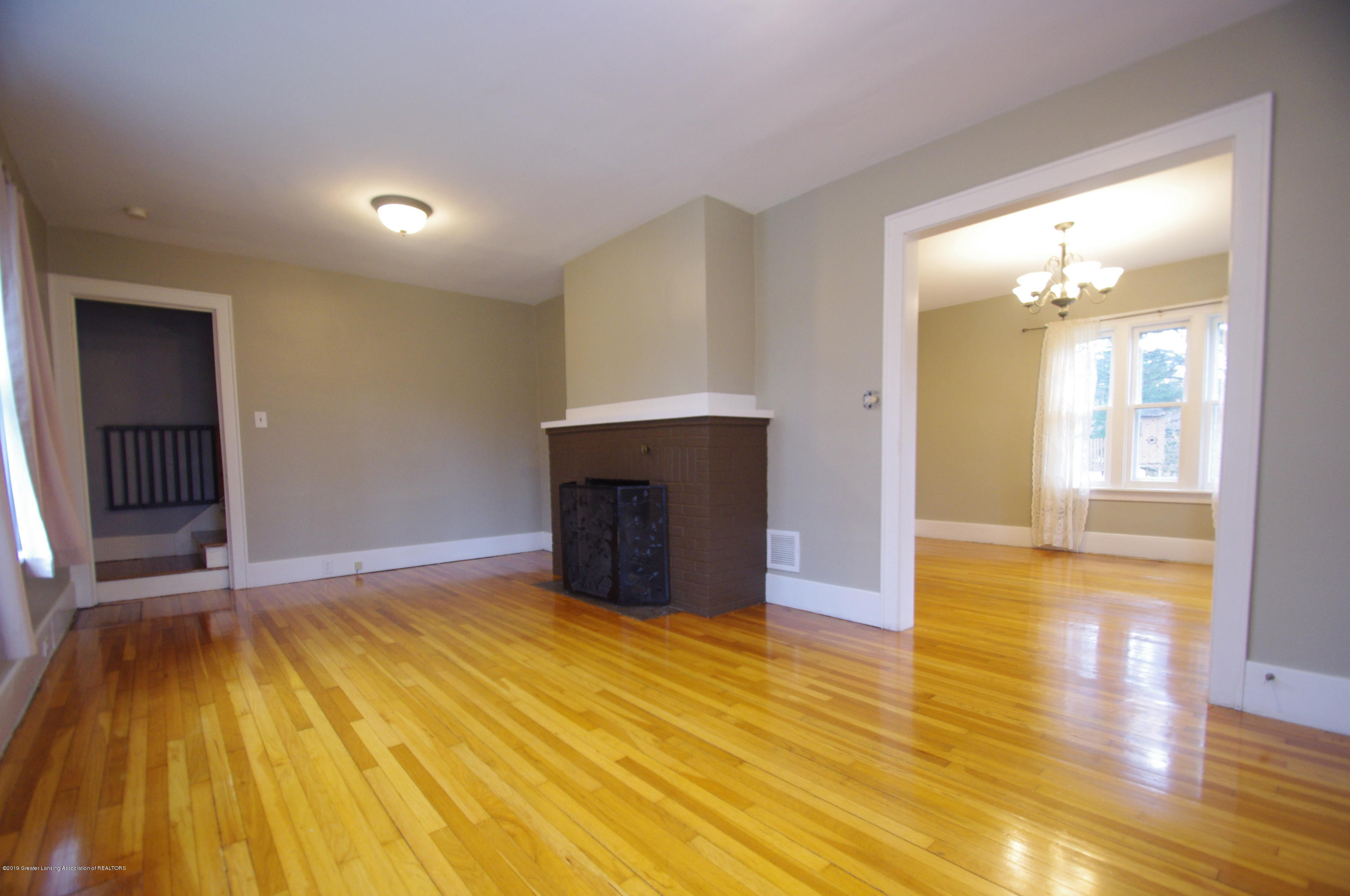 4604 Old Lansing Rd - Living Room - 7