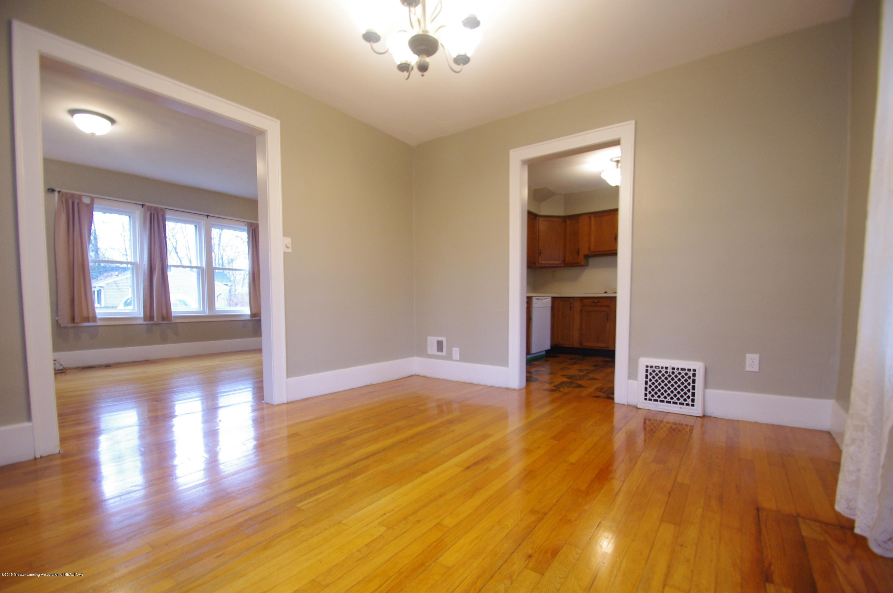 4604 Old Lansing Rd - Dining Room - 9