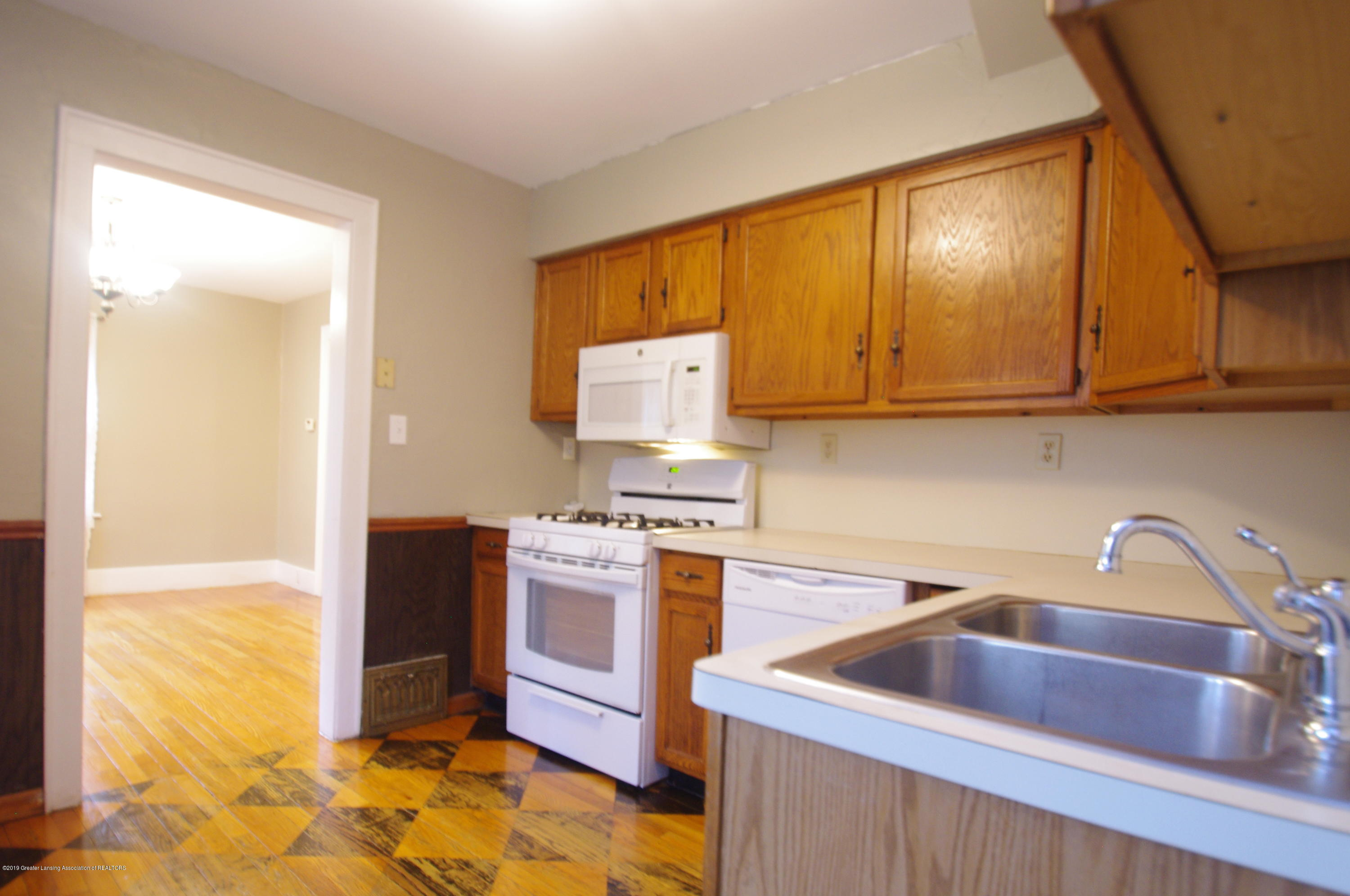 4604 Old Lansing Rd - Kitchen - 11