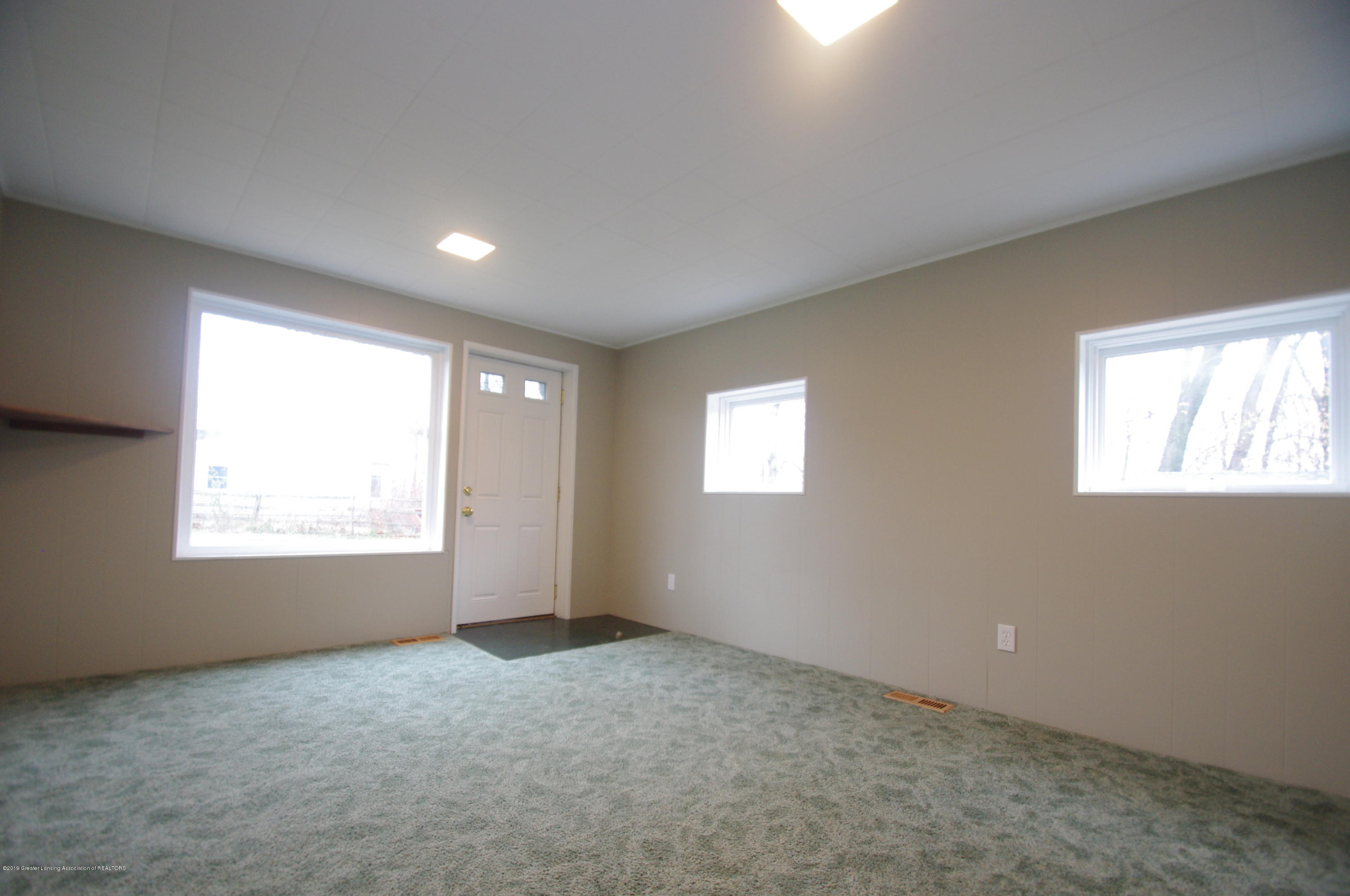 4604 Old Lansing Rd - Family Room/In law space - 16
