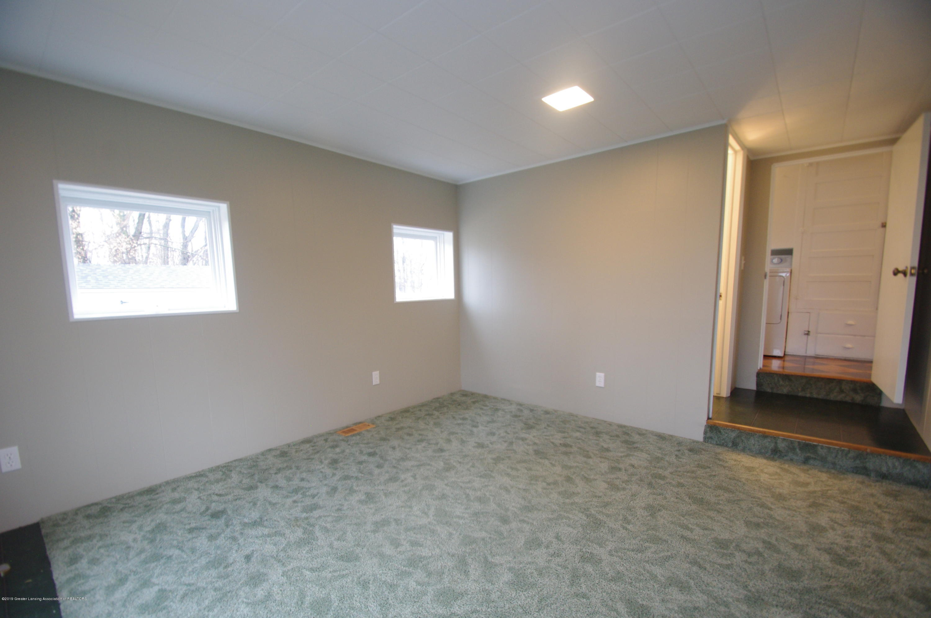 4604 Old Lansing Rd - Family Room/in law space - 17