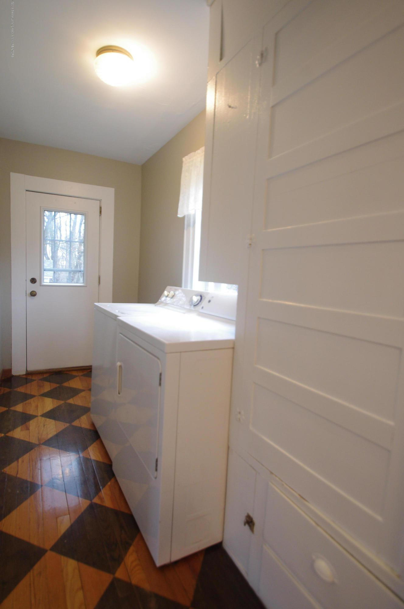 4604 Old Lansing Rd - Laundry Room - 13