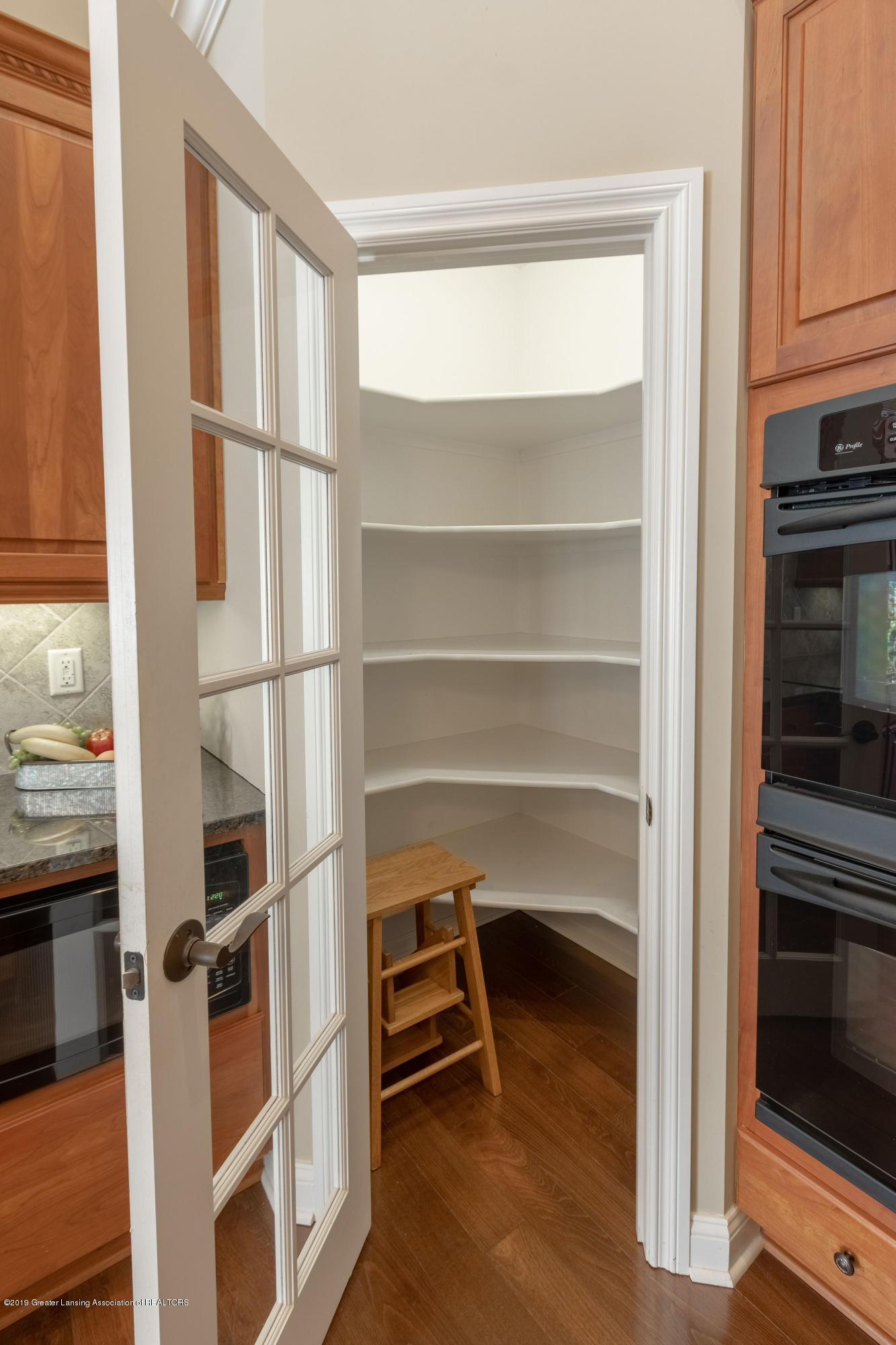 6153 Graebear Trail - Walk-In Pantry - 14