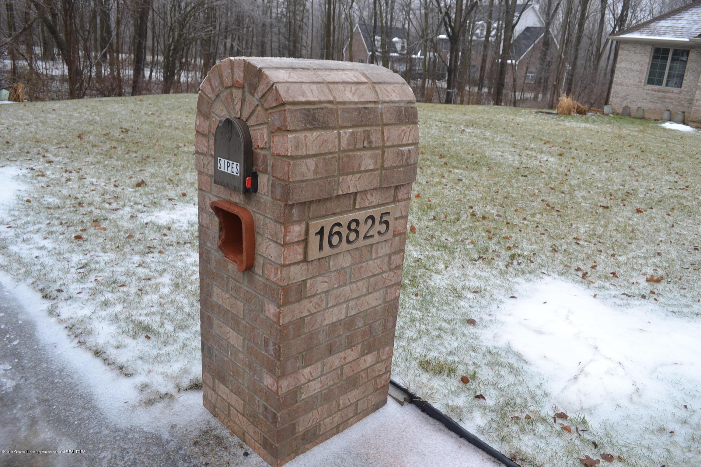 16825 Erins Way - Mailbox - 46