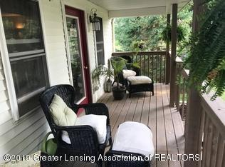 8183 Colby Lake Rd - pretty front porch - 2