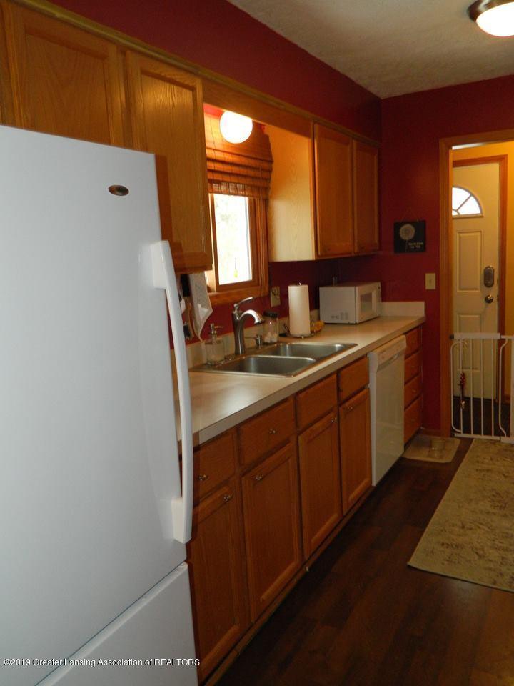 8918 Woodbury Rd - Kitchen - 6