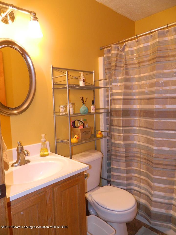 8918 Woodbury Rd - Bathroom - 11