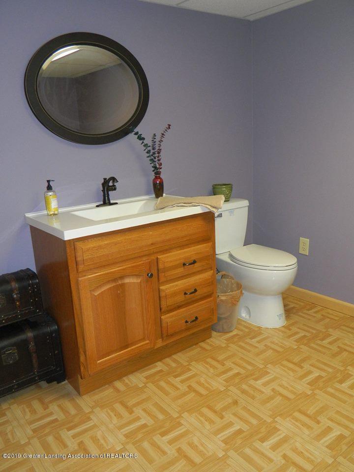 8918 Woodbury Rd - Bathroom - 17