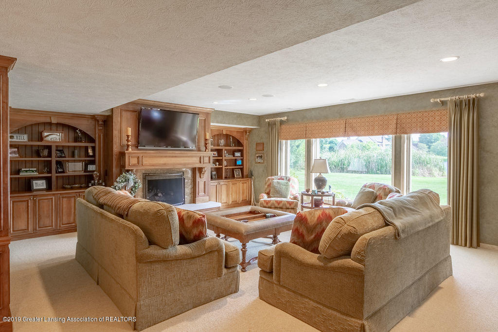 2571 Meadow Woods Dr - 2571 Meadow Woods Drive, East Lansing - 35