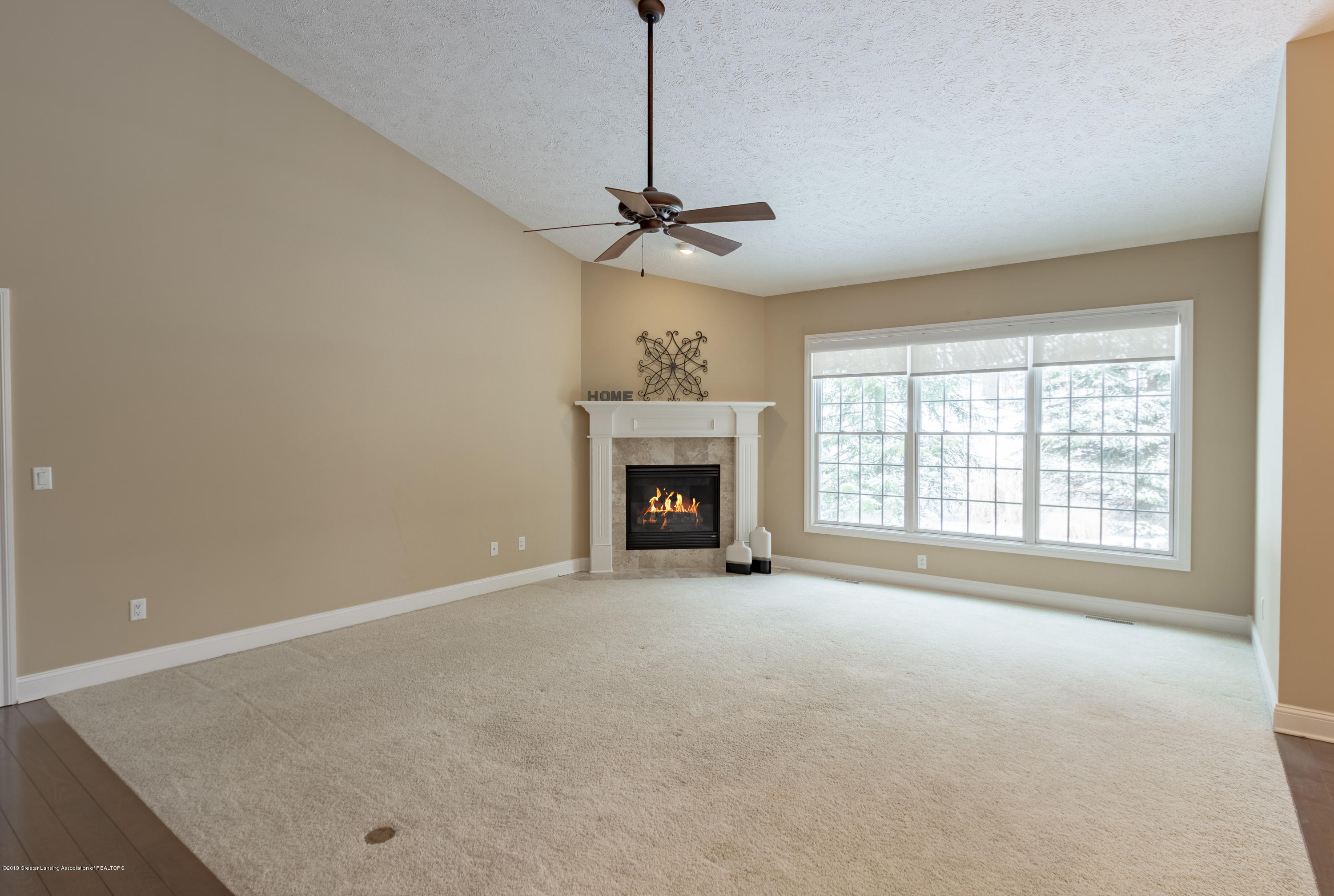 6153 Graebear Trail - Vaulted ceilings - 23