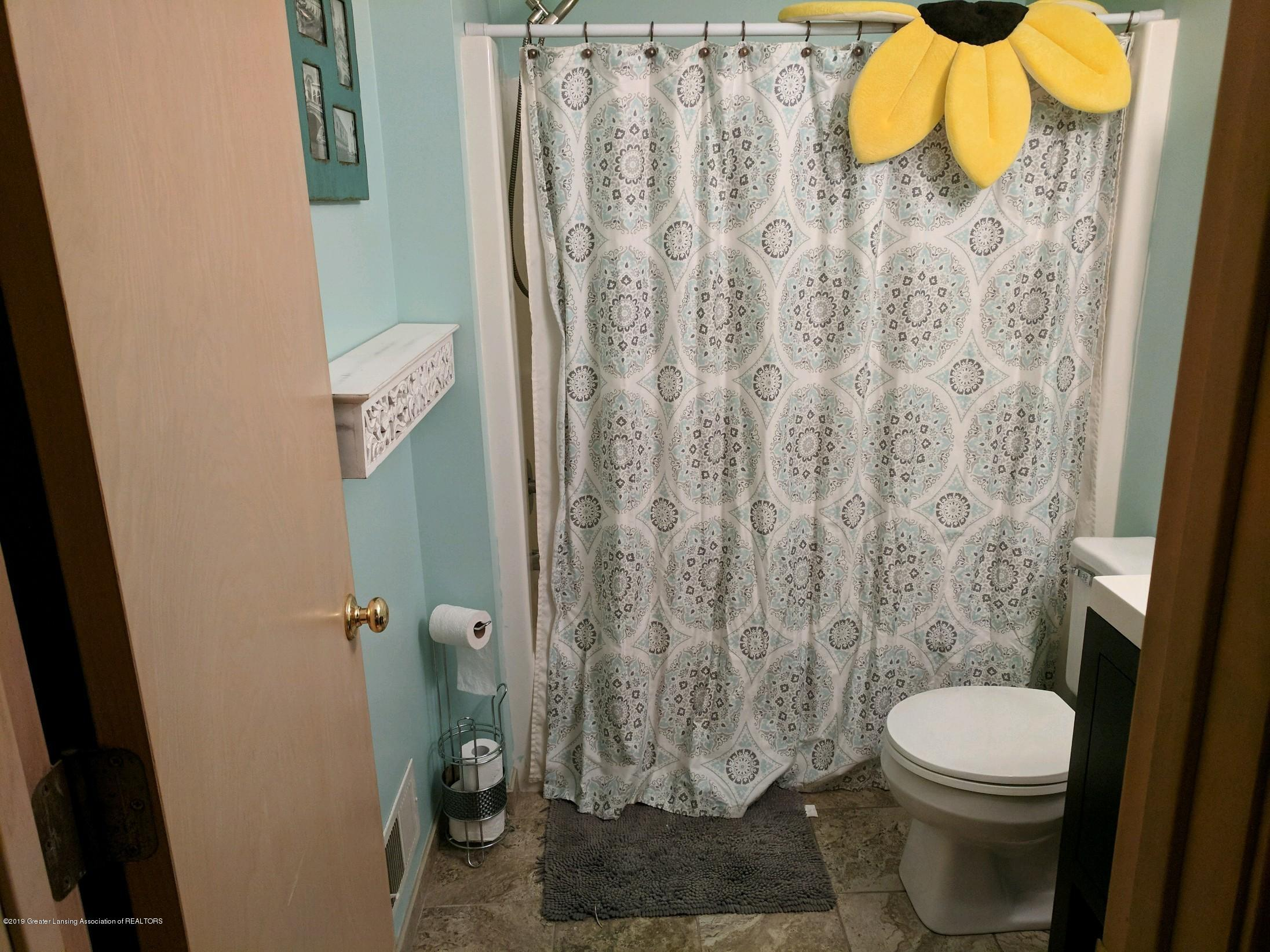 6620 Westview Dr - 2nd Bath - 8