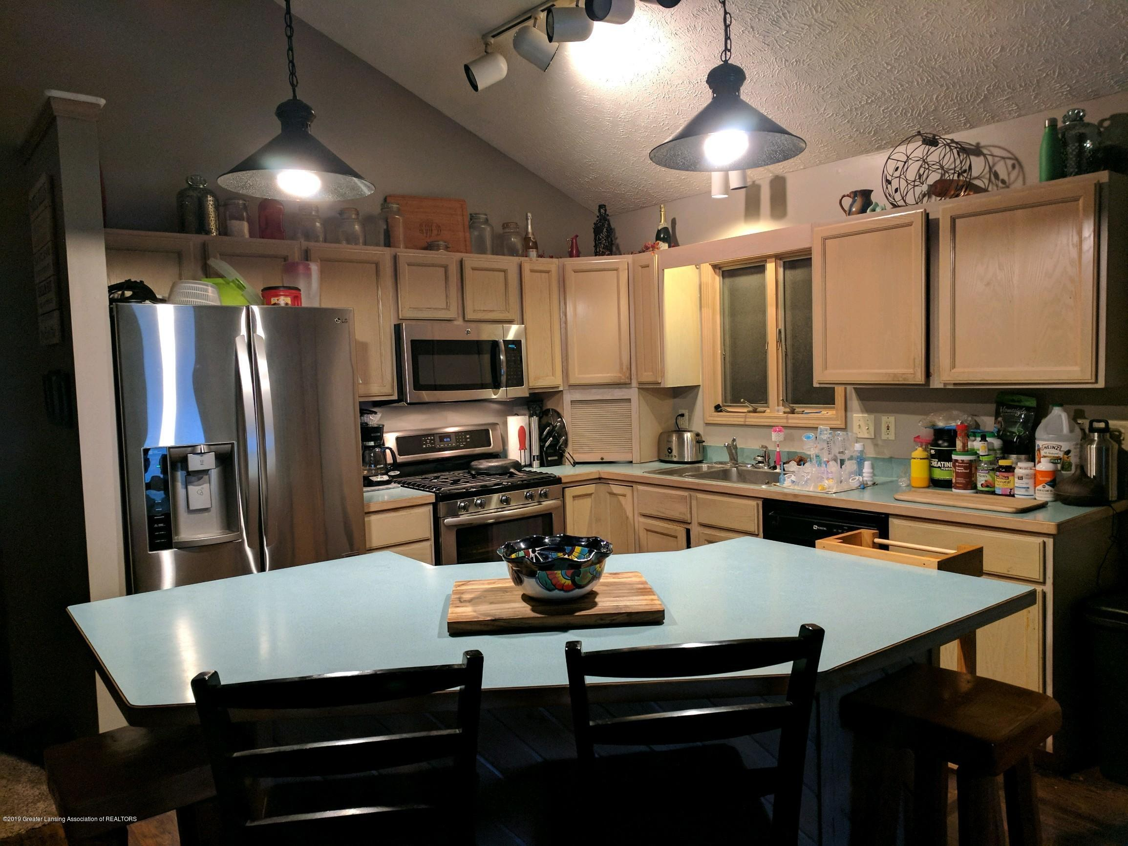 6620 Westview Dr - Kitchen - 3