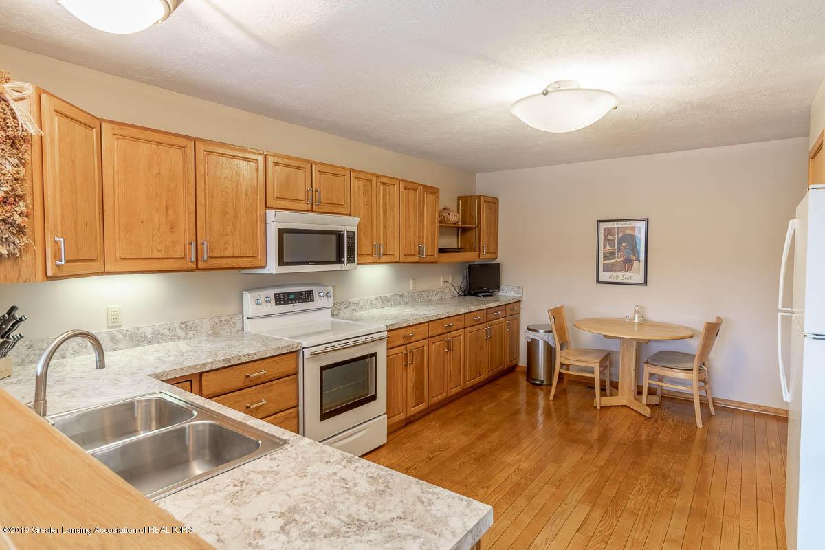 2445 Emerald Lake Dr 117 - Kitchen - 20