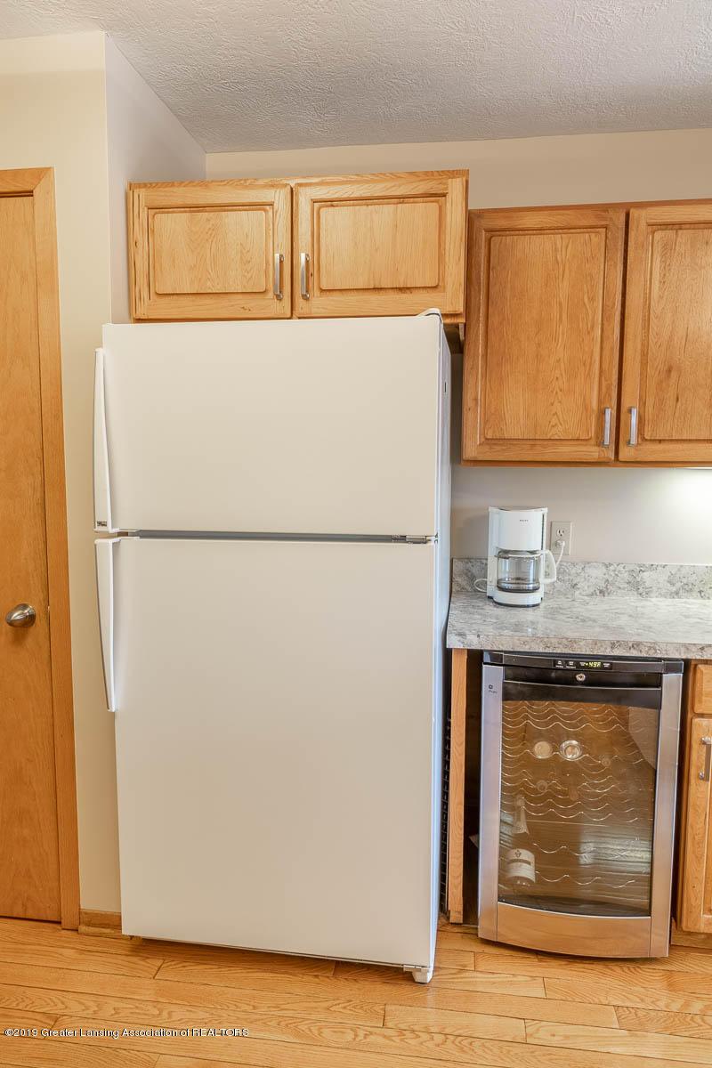 2445 Emerald Lake Dr 117 - Kitchen - 22