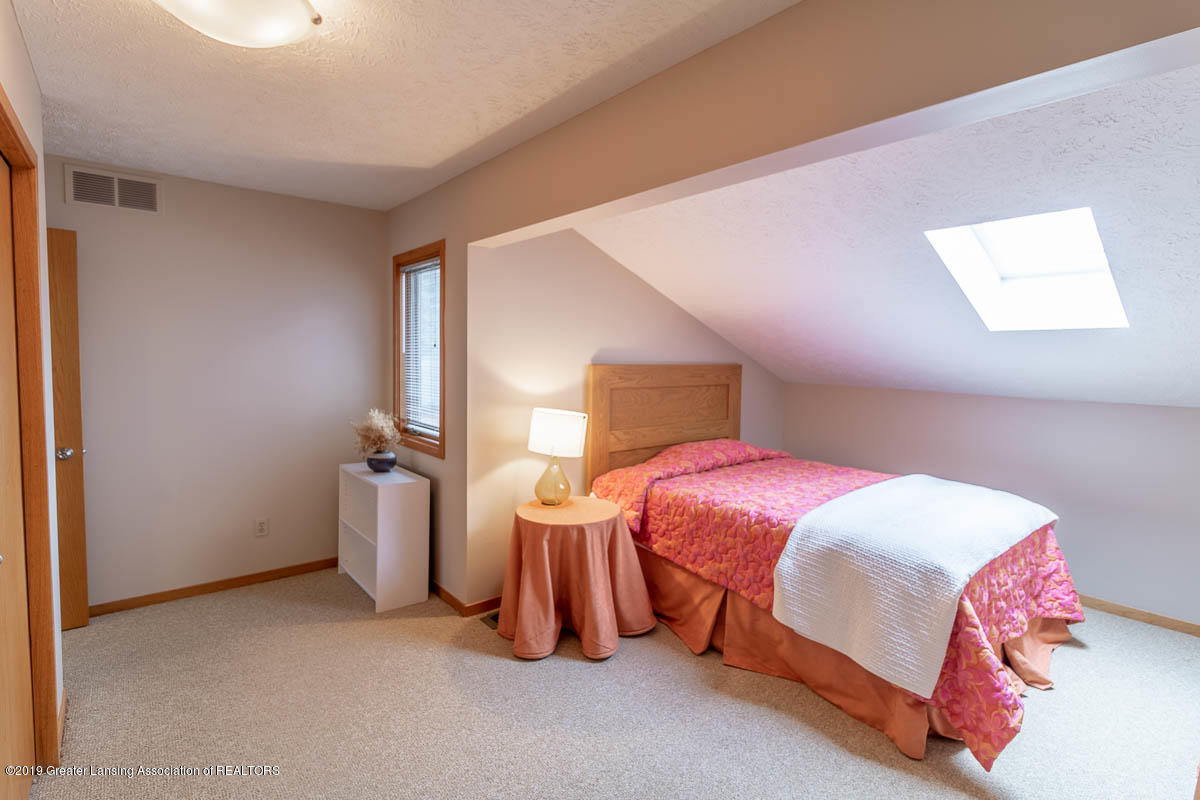 2445 Emerald Lake Dr 117 - Bedroom - 31
