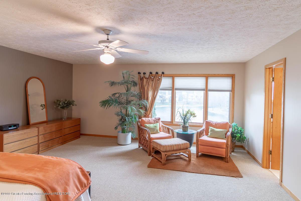 2445 Emerald Lake Dr 117 - Master Bedroom - 32