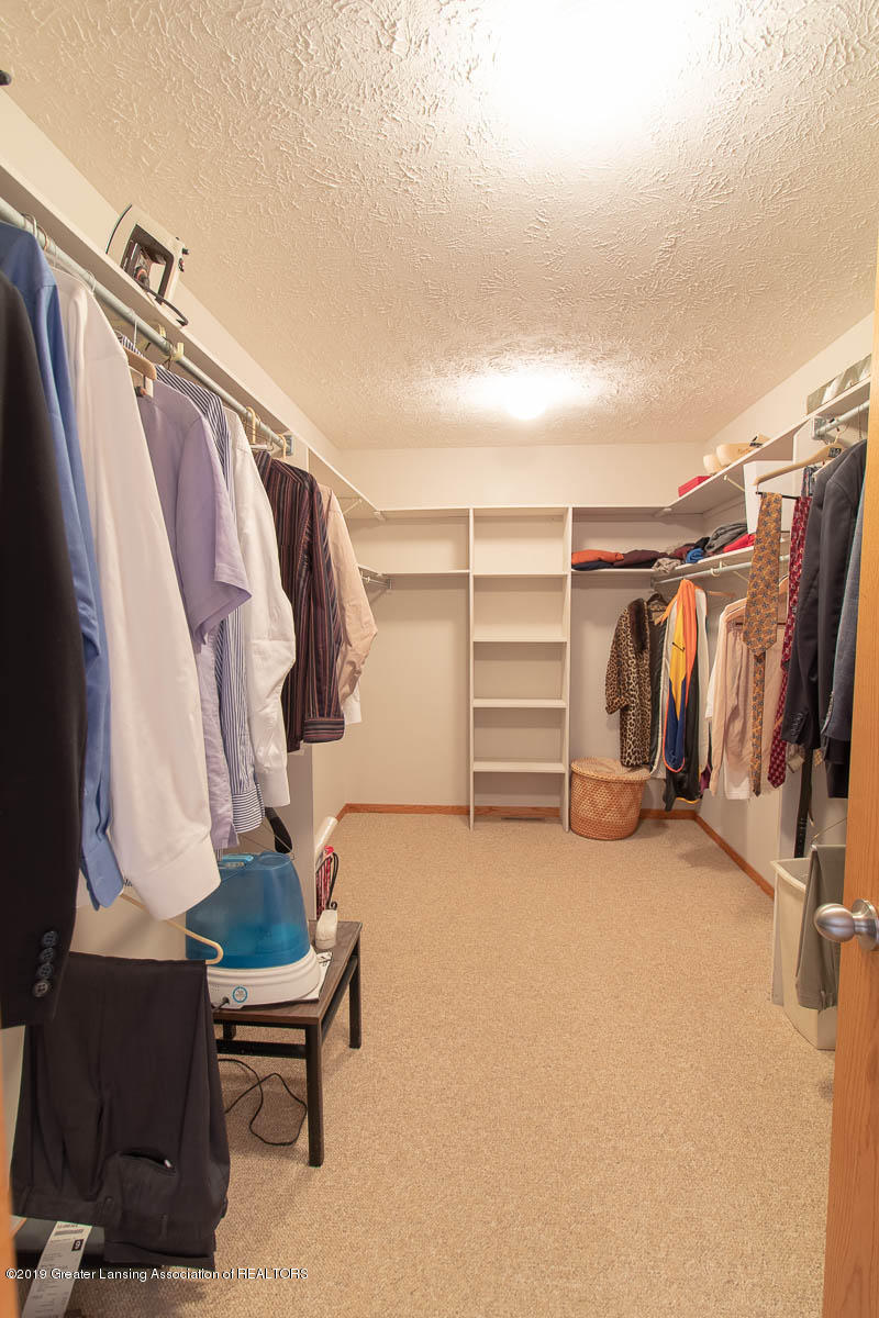 2445 Emerald Lake Dr 117 - Master Closet - 37