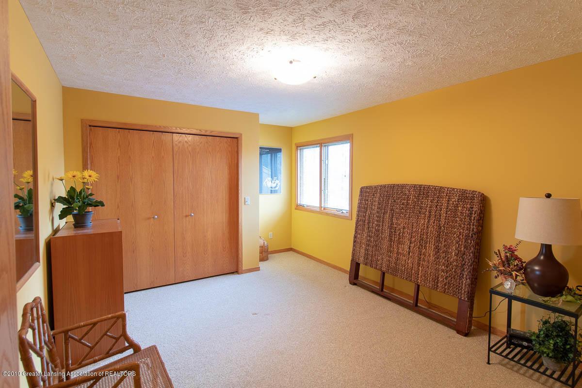 2445 Emerald Lake Dr 117 - Bedroom - 38