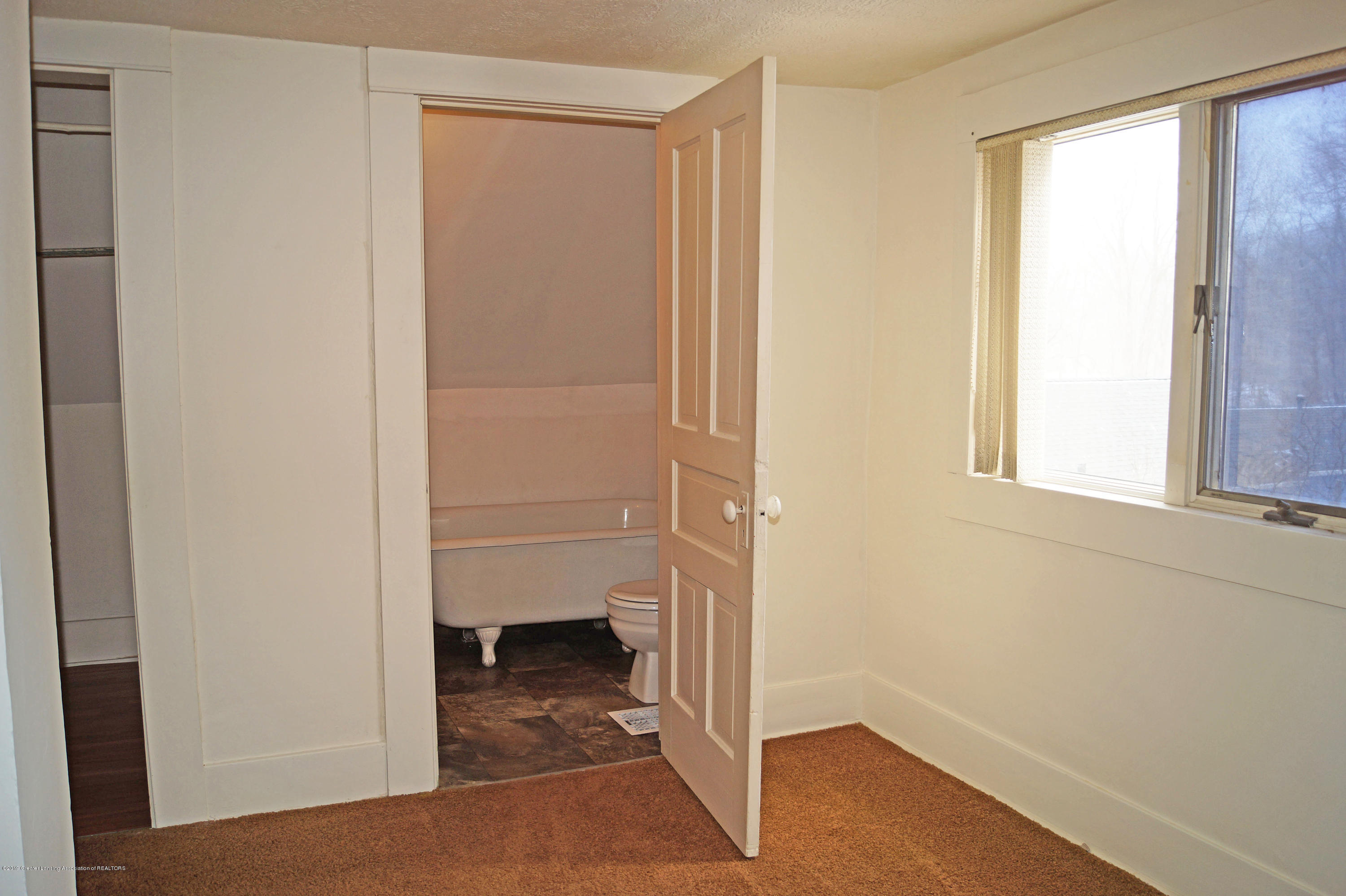 2463 S Rundle Ave - Bedroom - 13