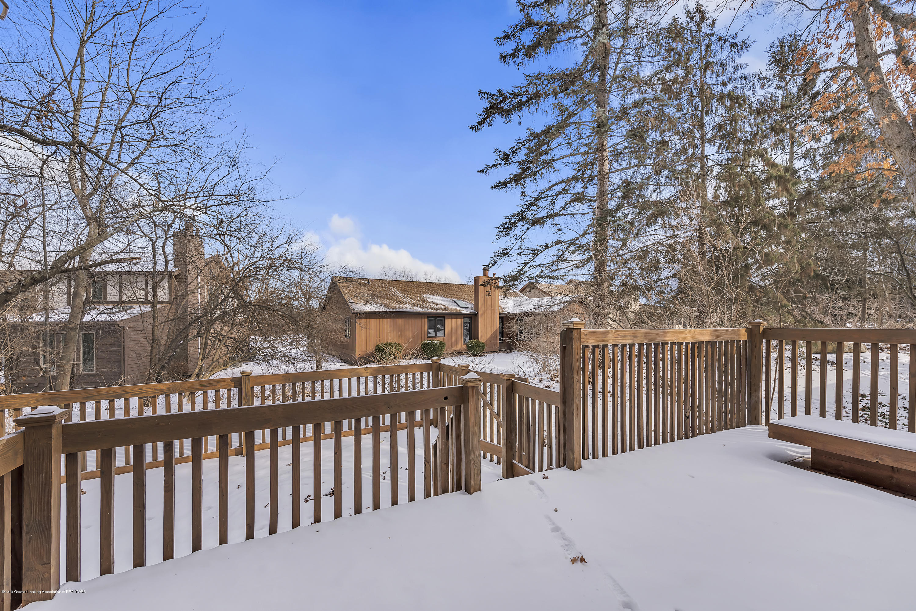 4420 Comanche Dr - Fenced in dog area - 23
