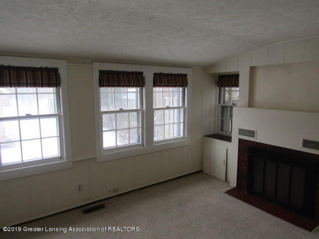 2463 S Rundle Ave - Family Room - 20