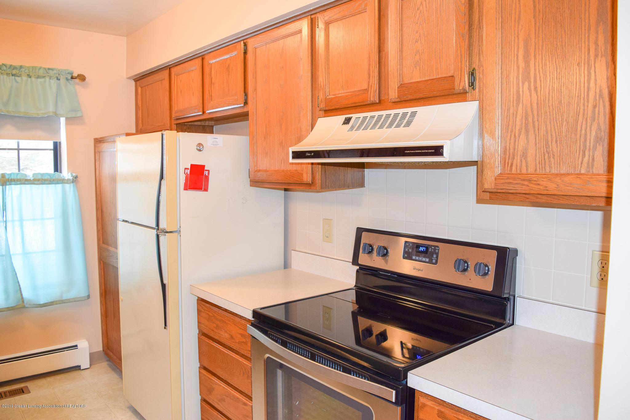 472 Red Cedar Blvd 1 - Kitchen - 11