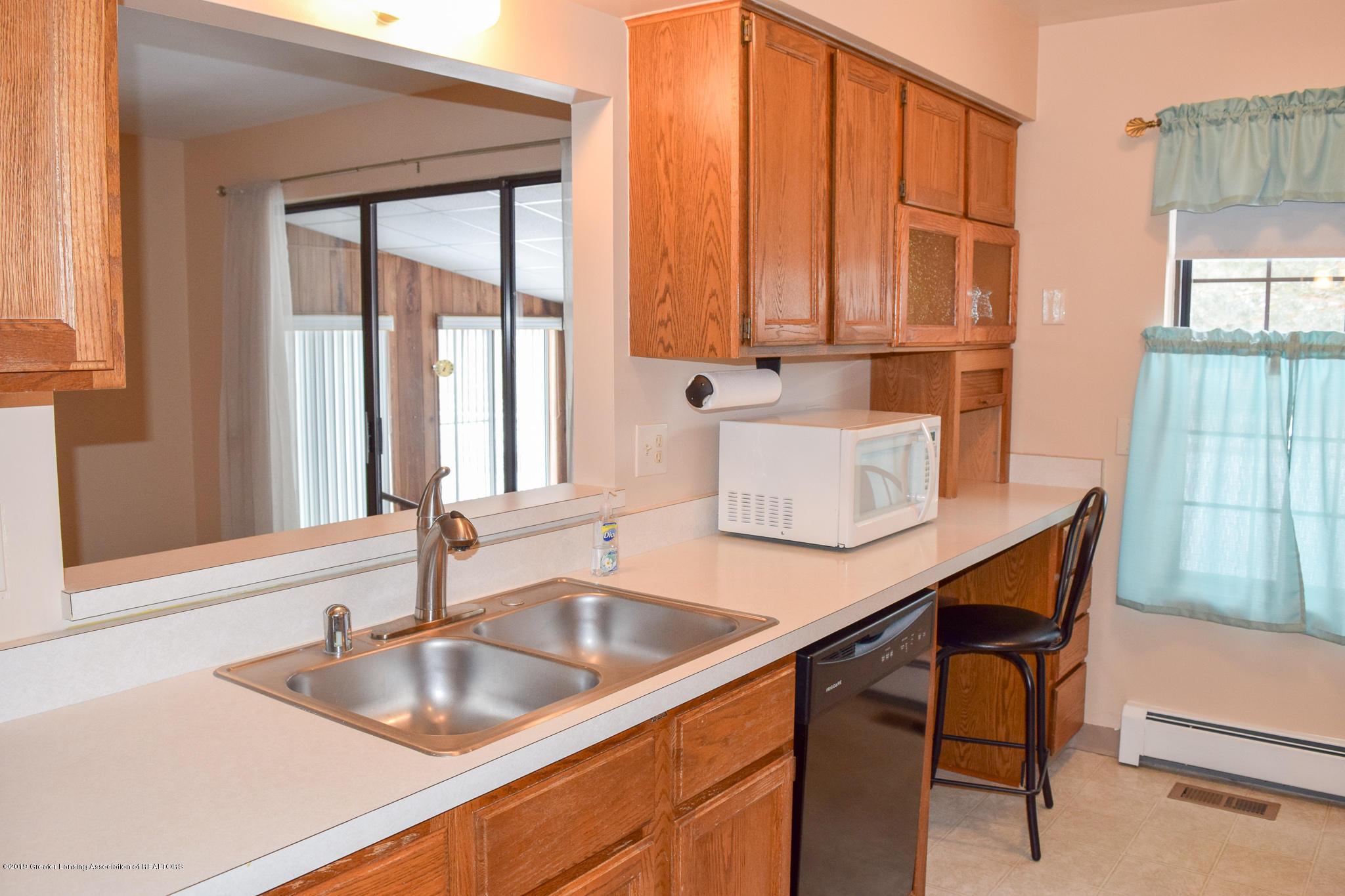 472 Red Cedar Blvd 1 - Kitchen - 12
