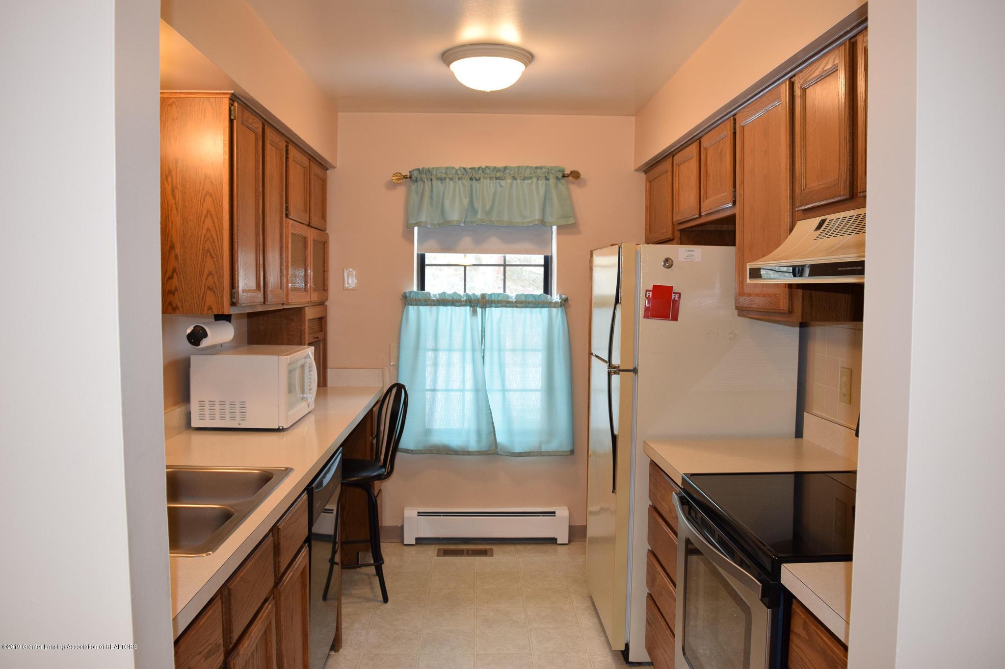 472 Red Cedar Blvd 1 - Kitchen - 13