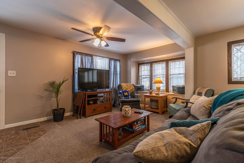 509 S Ottawa St - Living Room - 8