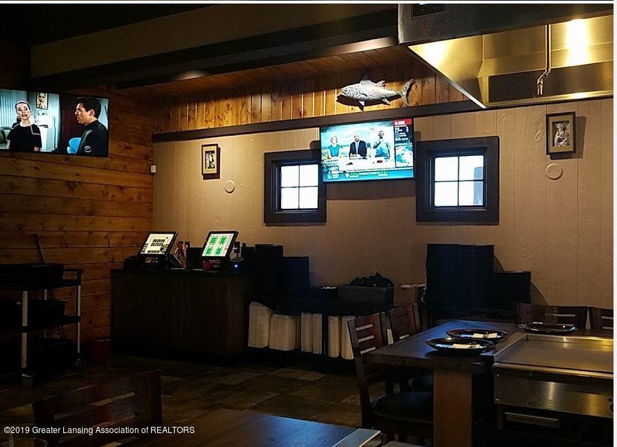 2457 Cedar St - Server Station - 14