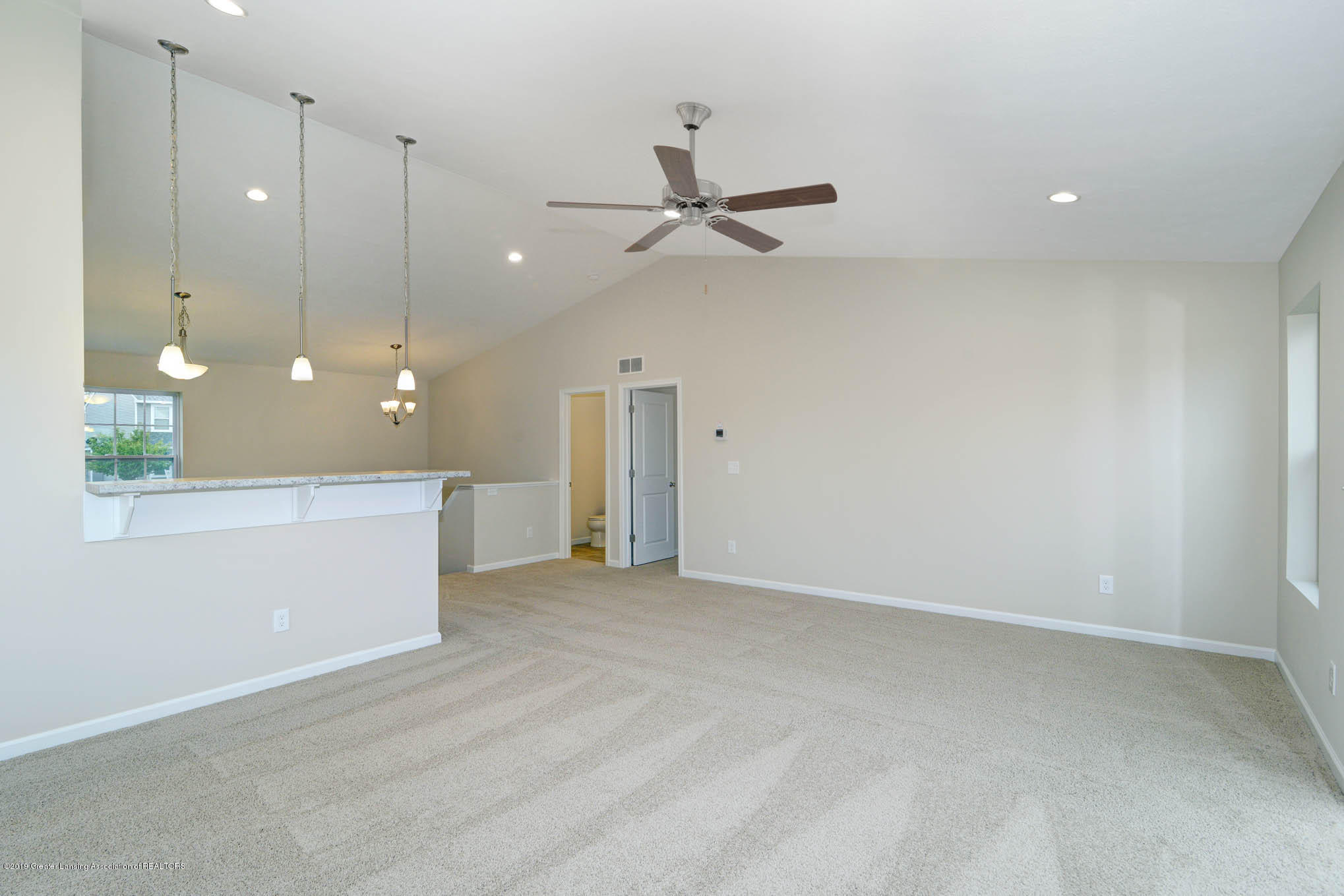 3532 Fernwood Ln - GDN069-C2040-Great Room-2 - 2