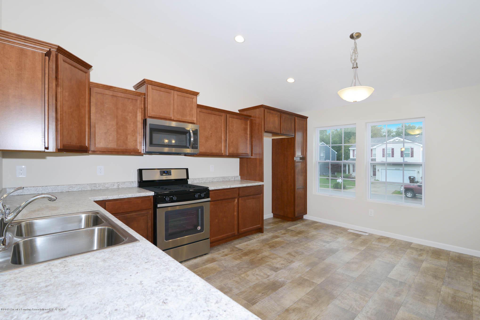 3532 Fernwood Ln - GDN069-C2040-Kitchen-1 - 5