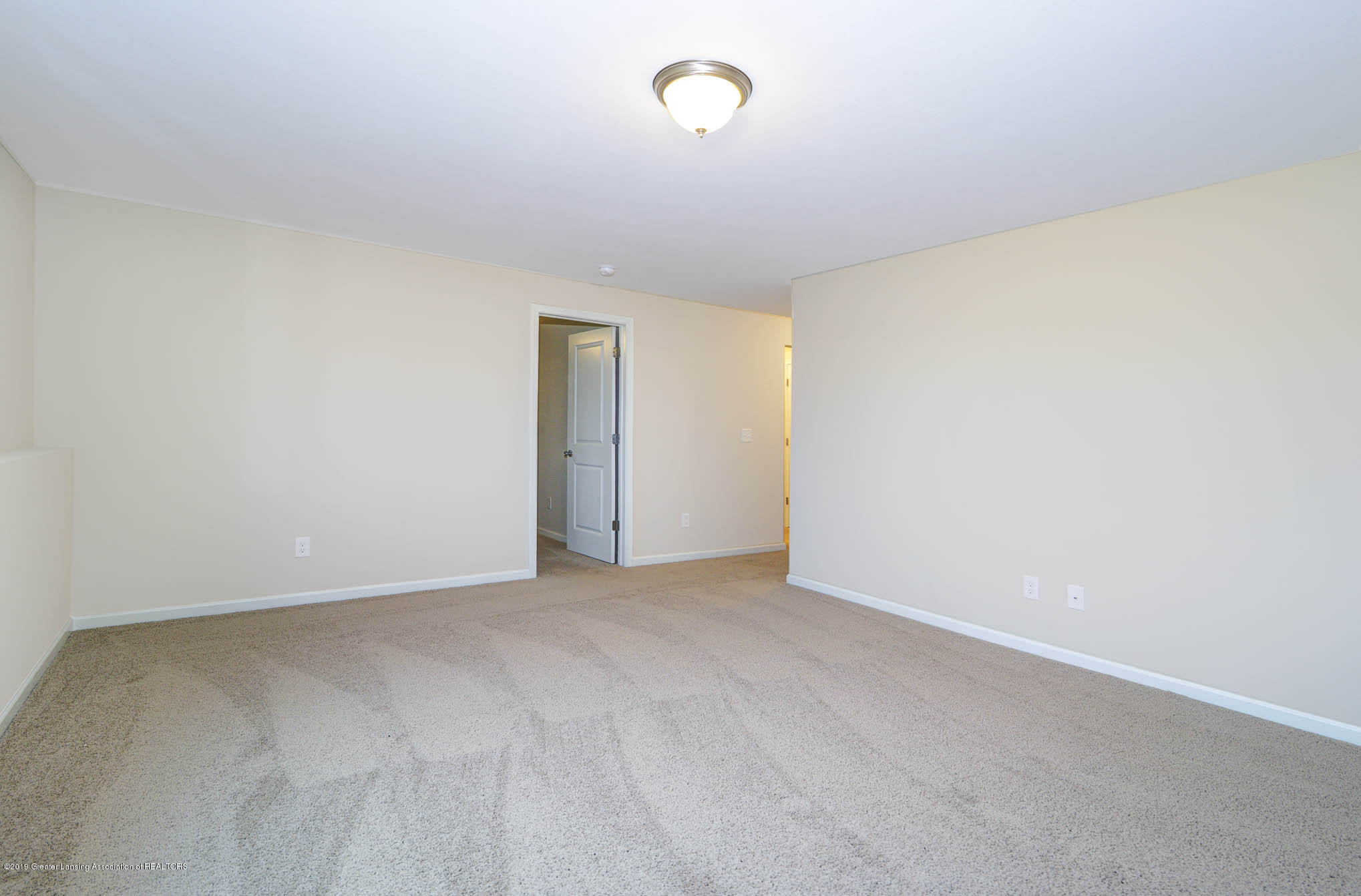 3532 Fernwood Ln - GDN069-C2040-Lower Level Rec Room-1 - 12