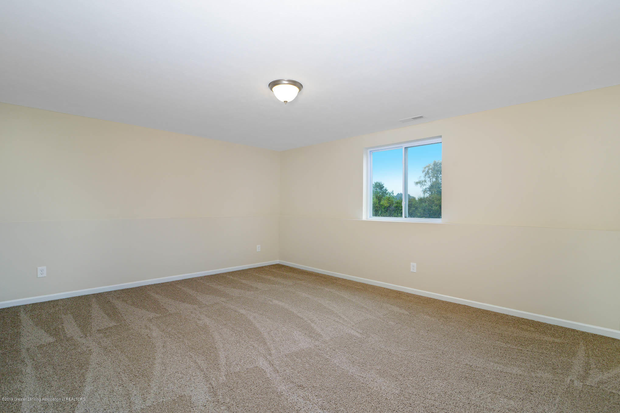 3532 Fernwood Ln - GDN069-C2040-Lower Level Rec Room-2 - 13