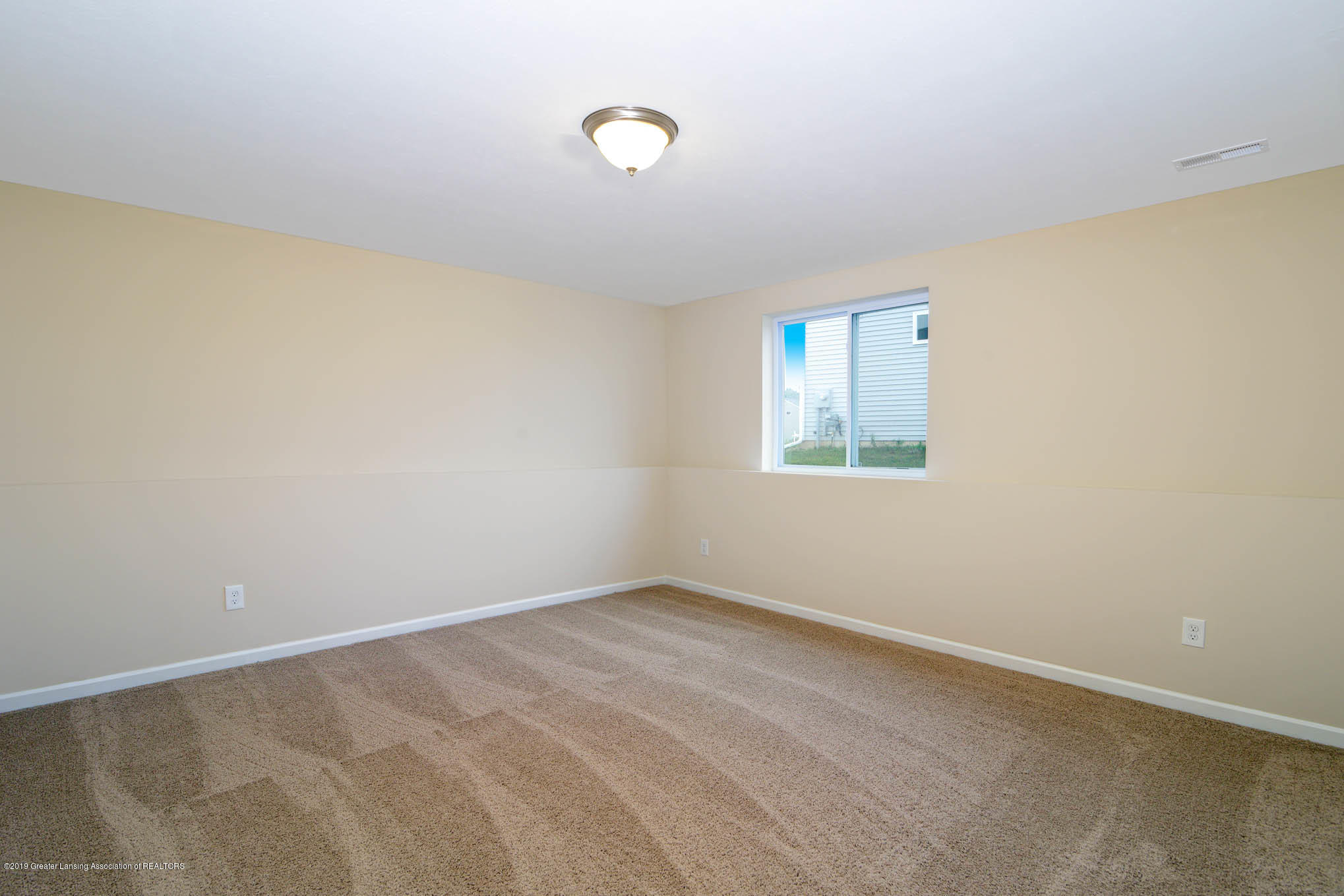 3532 Fernwood Ln - GDN069-C2040-Lower Level Rec Room-3 - 14