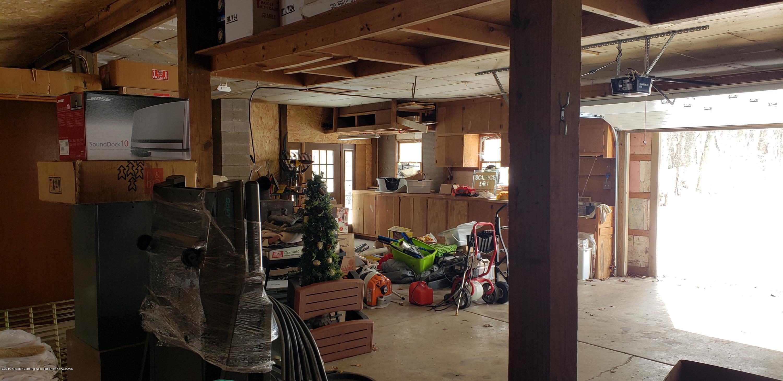 14403 Center Rd - center barn inside - 43