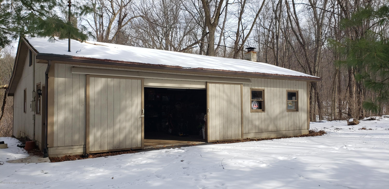 14403 Center Rd - center barn outside - 42