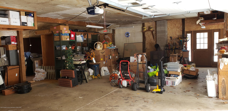 14403 Center Rd - center inside barn - 44